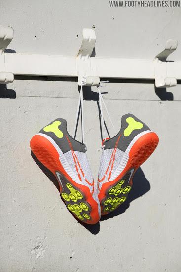 Botas Nike React Gato Fútbol Sala