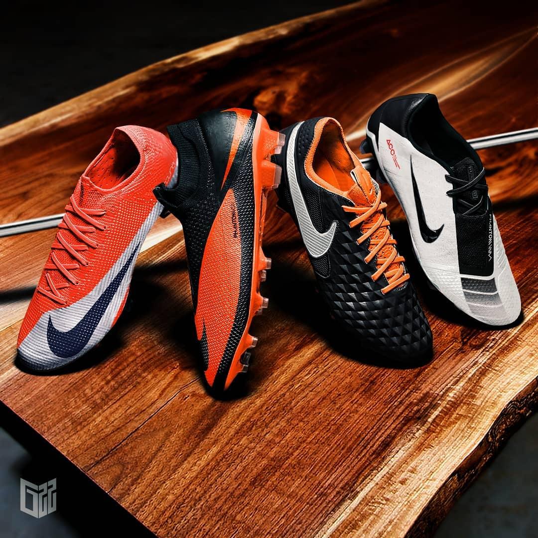 Botas con Inspiración Retro, Nike Futuro de ADN