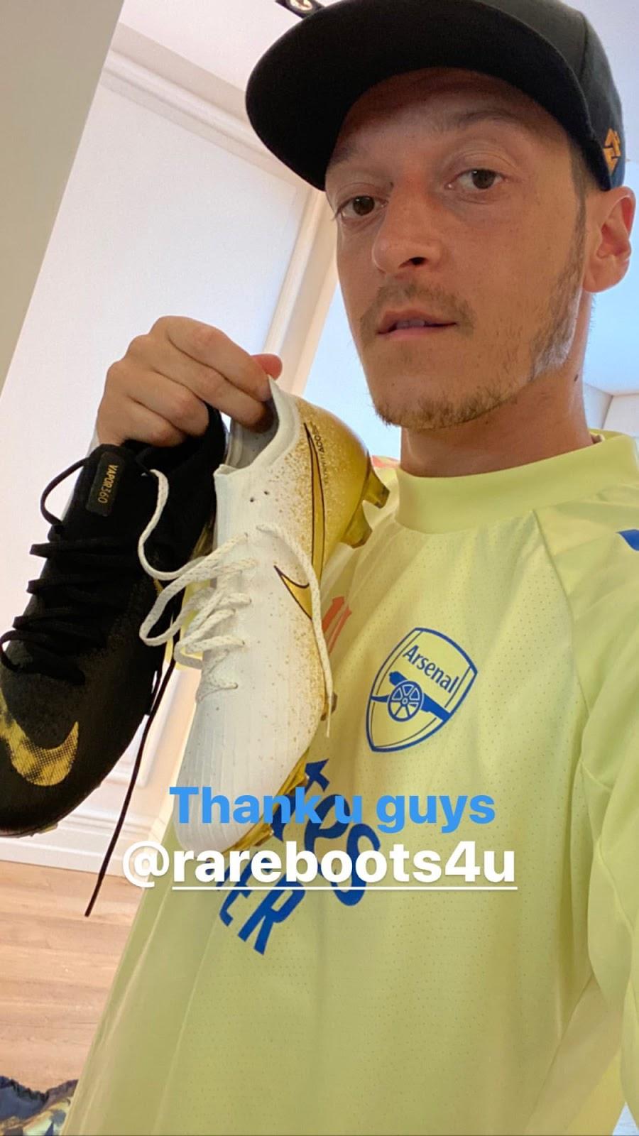 Botas Nike Mercurial de Mesut Özil