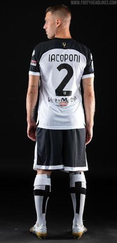 Camiseta de Local del Parma 2020-2021