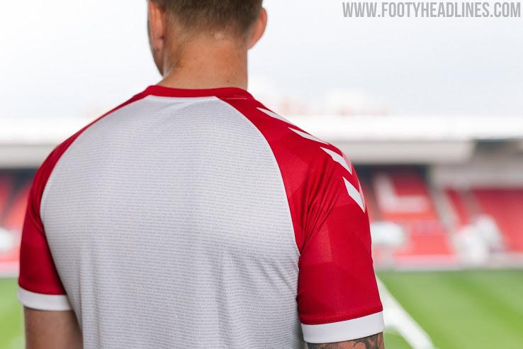 Camiseta Alternativa del Bristol City 2020-2021