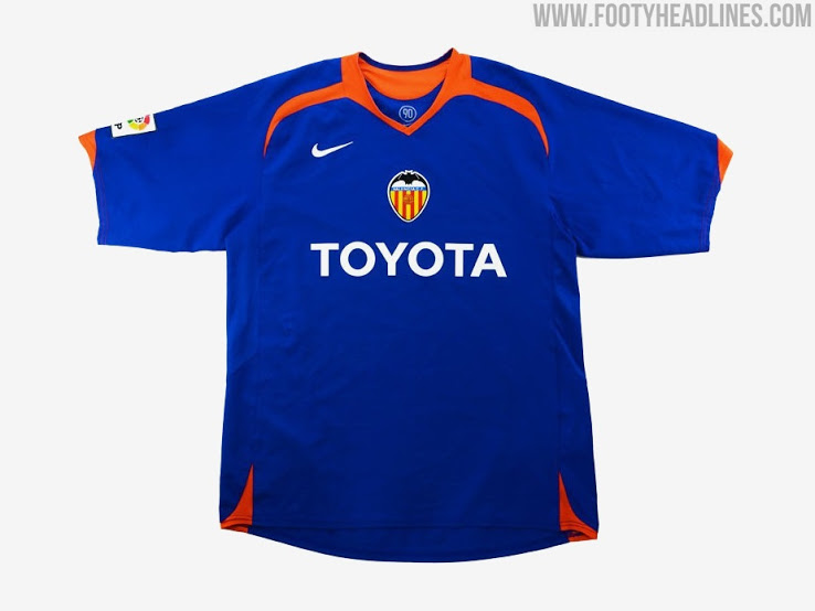 ​​Colores de las camisetas de Local, Visitante y Alternativa del Valencia FC 2021-2022