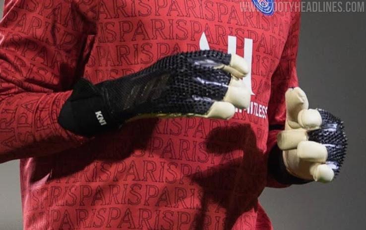 Keylor Navas Debuta con las Botas Adidas Predator Personalizadas - Color Negro