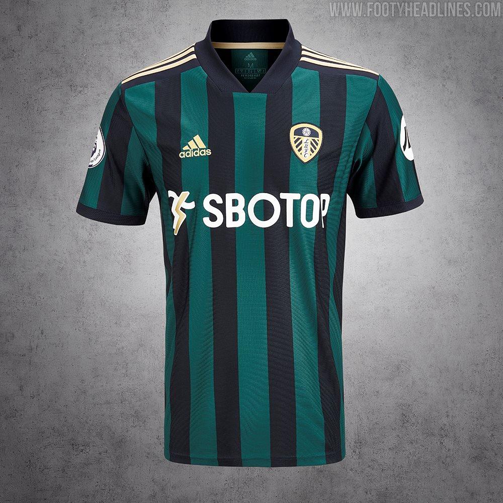 Camiseta de Visitante del Leeds United 2021-2022