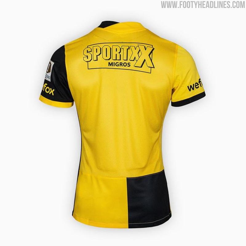 Camiseta de Local de Young Boys 2021-2022