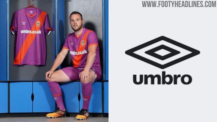 Camiseta de Visitante del Linfield FC 2020-2021 Hecha por Umbro